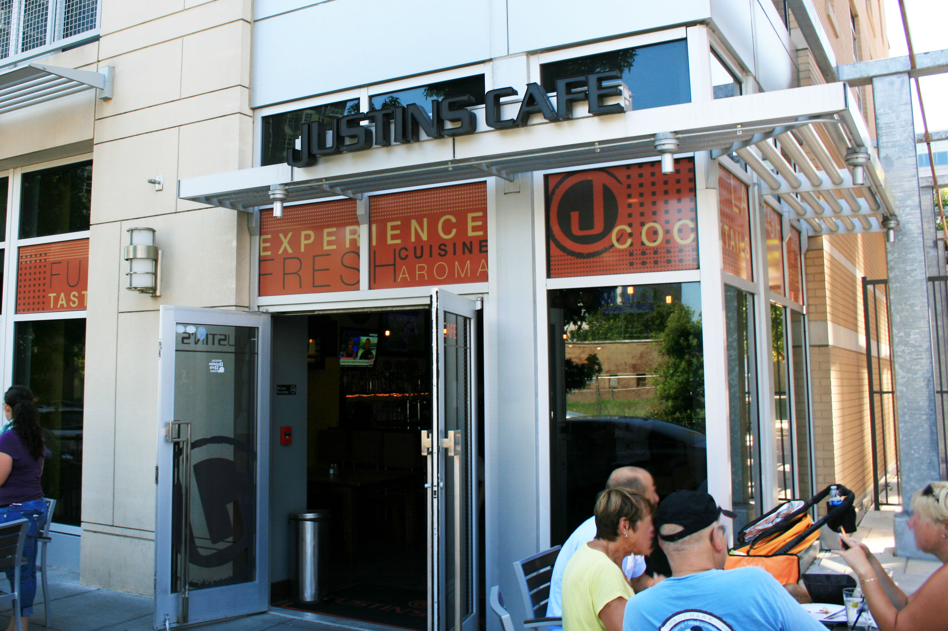 Justin's Cafe